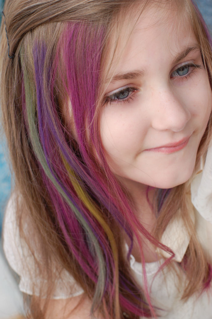 People Are Letting Kids Dye Their Hair And The Internet