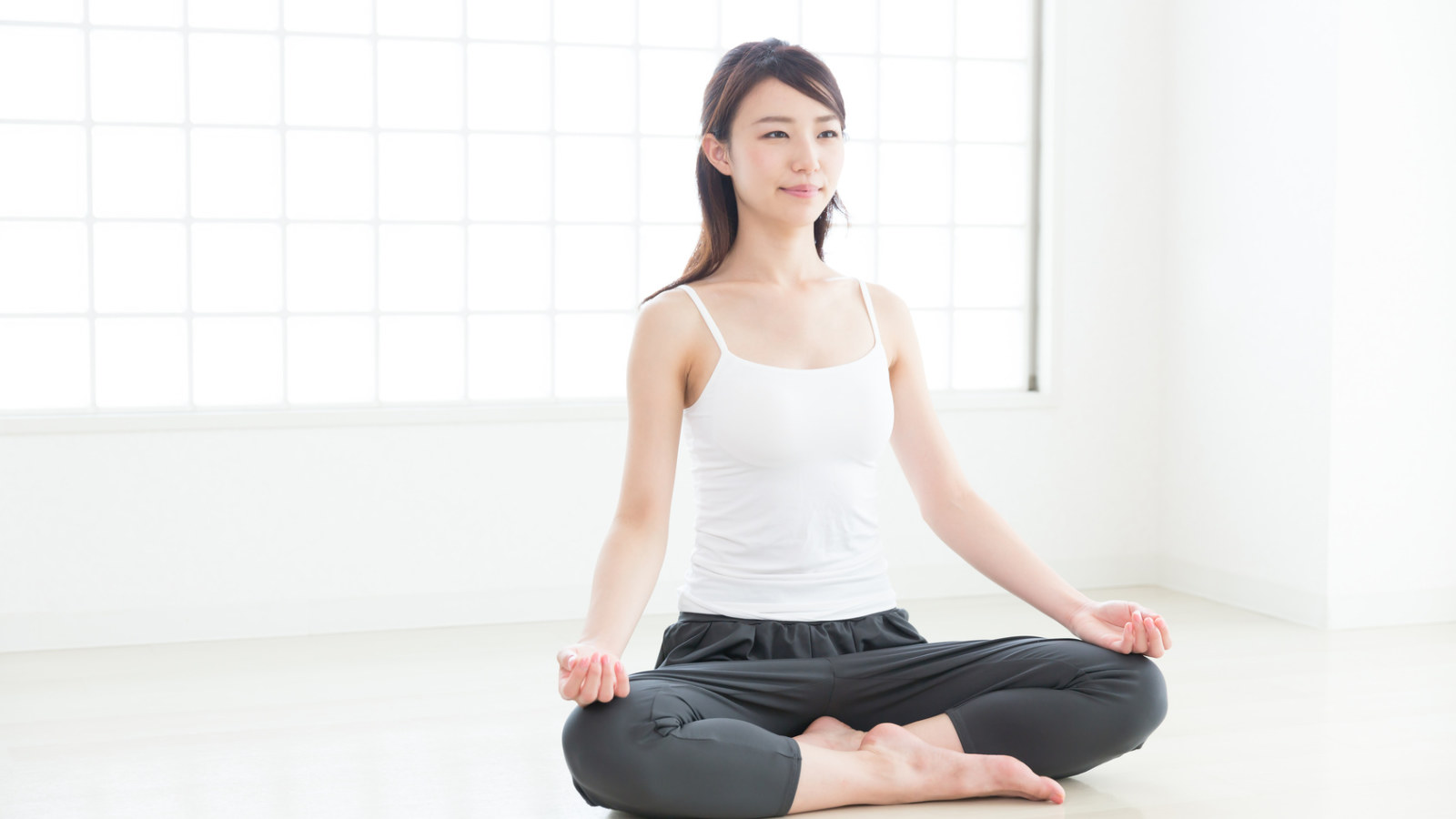 Top 9 Yoga Poses For Relaxation 》 Her Beauty