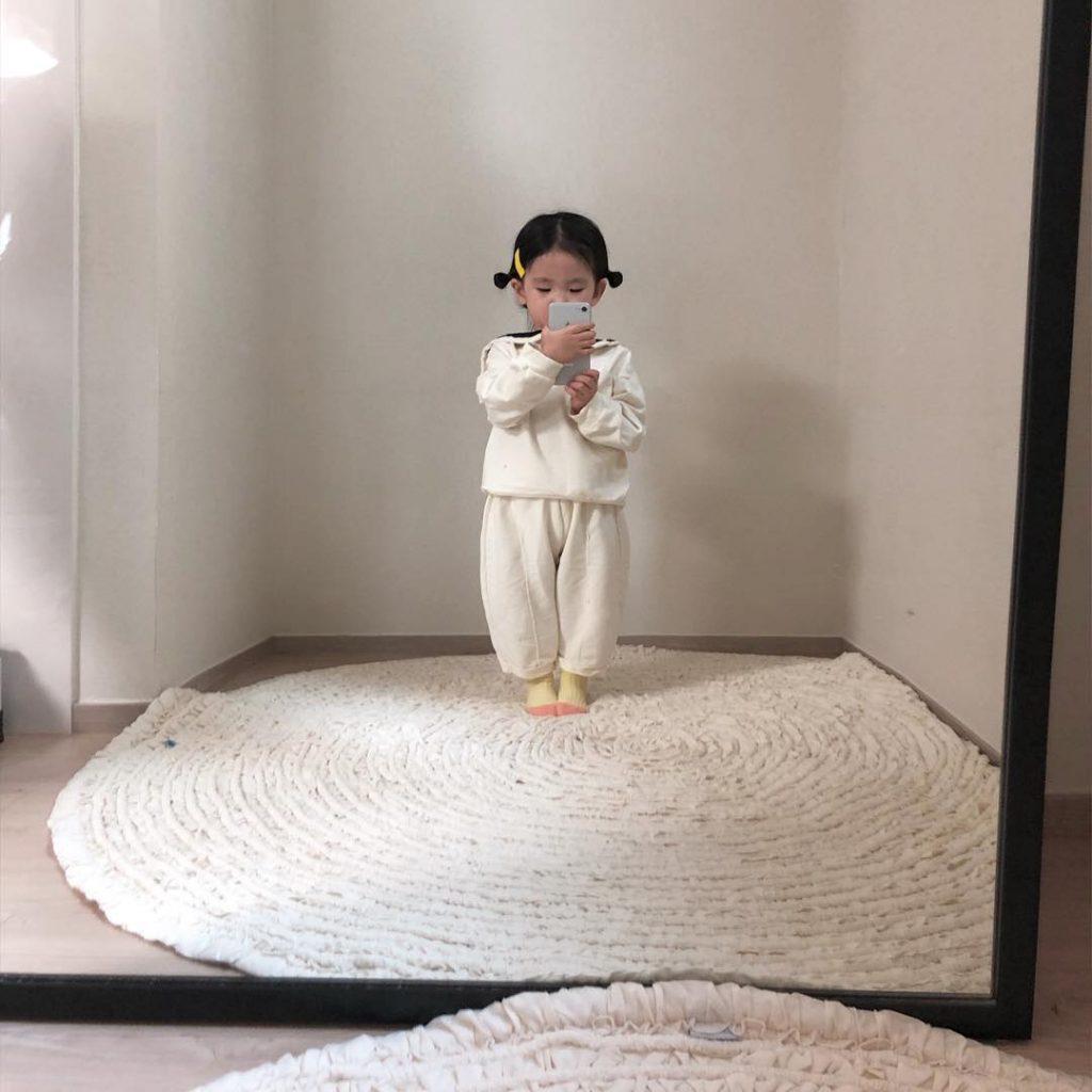"""Cô bé với những bức ảnh """"selfies"""" đậm chất thời trang đáng yêu #5   Her Beauty"""