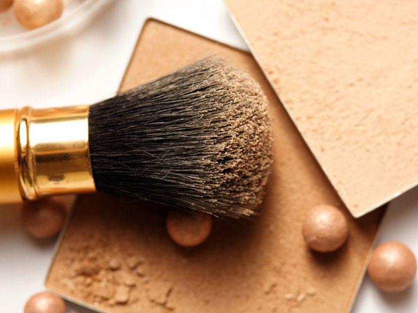El polvo definitivamente no | 9 Consejos De Maquillaje Y Belleza Para Mujeres Con Un Tono De Piel Oscuro | Her Beauty