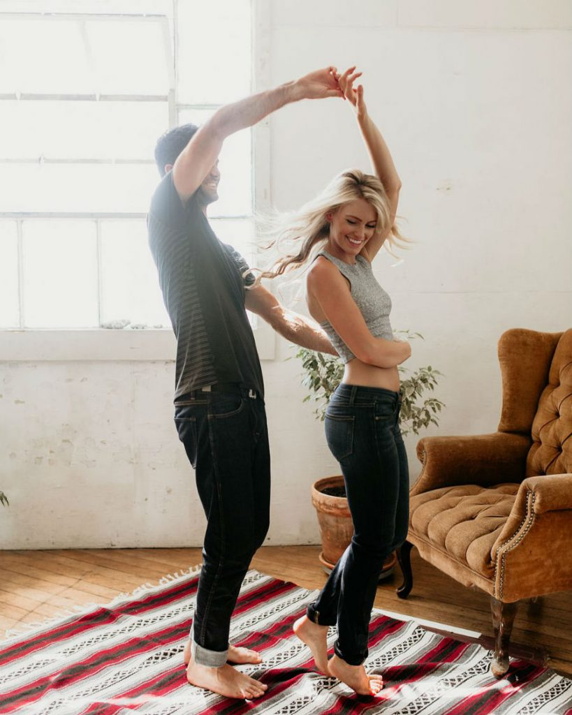 9 признаков того, что мужчина вас по-настоящему любит #3 | HerBeauty