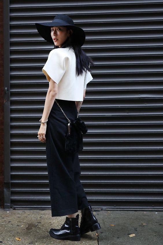 Tạo xu hướng mới với màu đen và trắng  | 15 gợi ý phong cách thời trang của phụ nữ Á Đông | Her Beauty