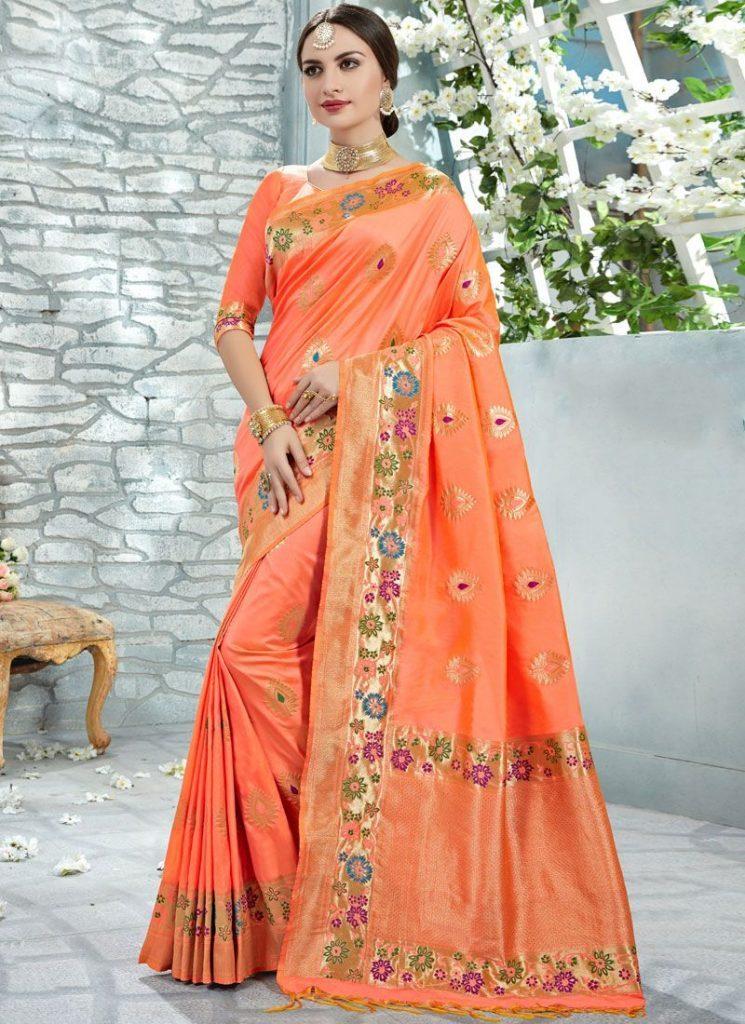 Hãy sử dụng khăn choàng | 15 gợi ý phong cách thời trang của phụ nữ Á Đông | Her Beauty