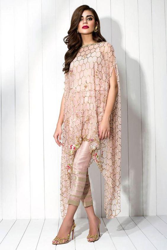 Pha trộn giữa phong cách Phương Tây và Ấn Độ | 15 gợi ý phong cách thời trang của phụ nữ Á Đông | Her Beauty