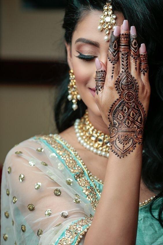 Hãy thử những thiết kế hình xăm | 15 gợi ý phong cách thời trang của phụ nữ Á Đông | Her Beauty