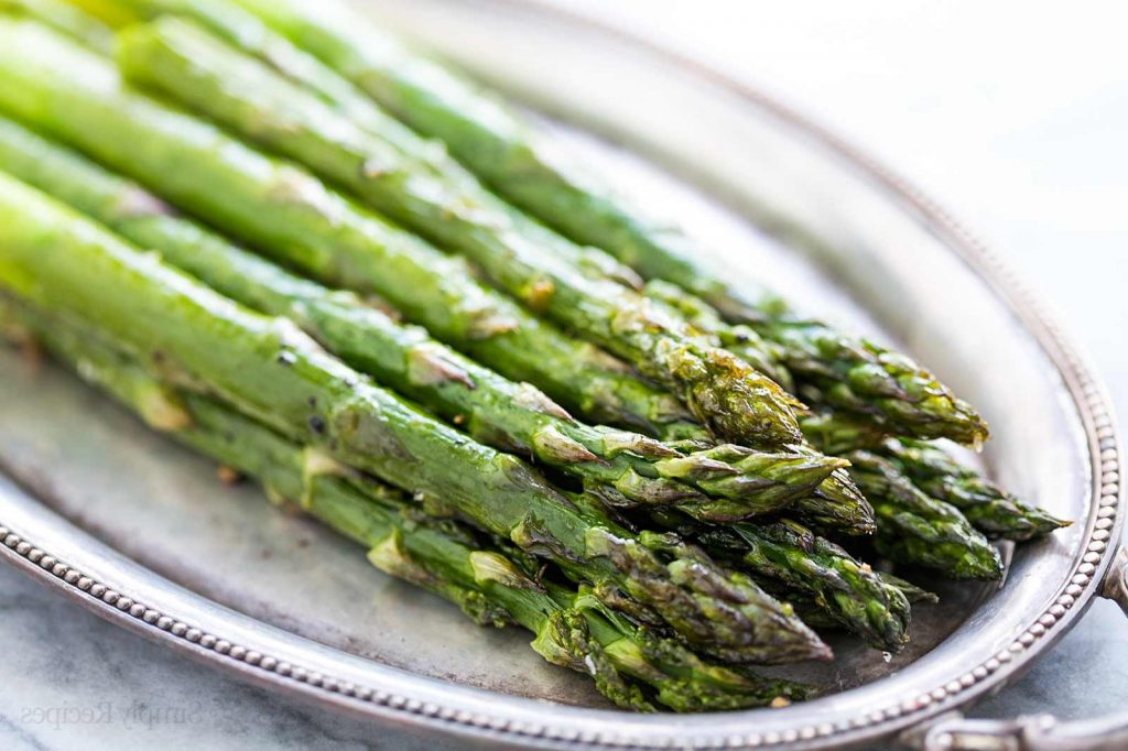 Tarragon Asparagus | 12 Grilling Recipes You've Gotta Try This Summer | Her Beauty