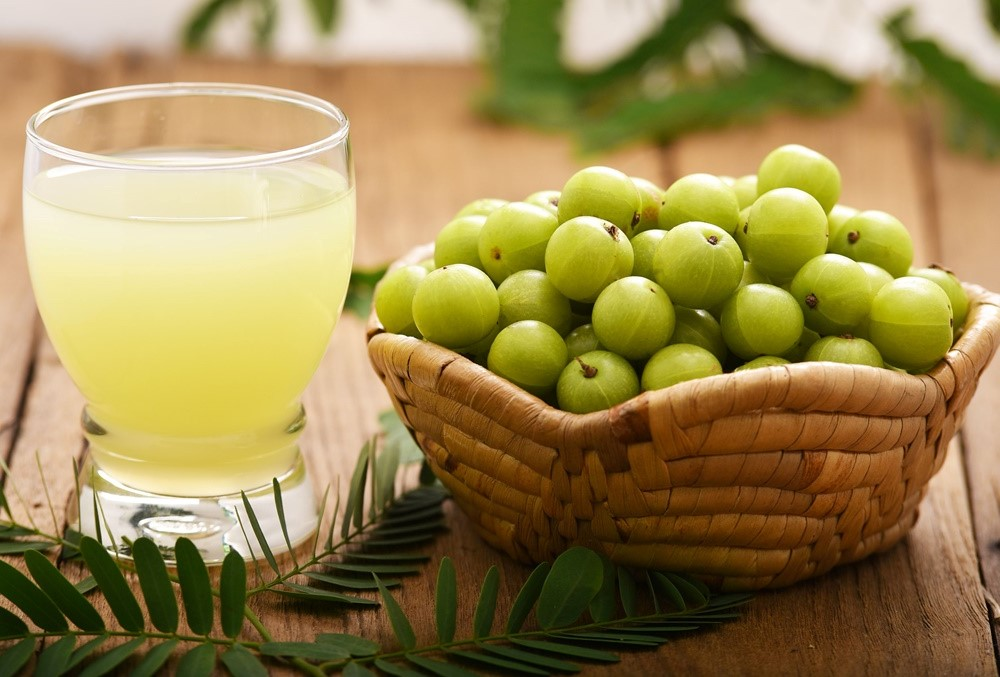 Drink amla juice | 7 Best Summer Diet Tips (Fruit Soups, Veggie Popsicles, and Detox Drinks)