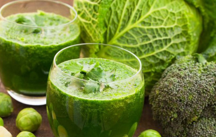 Cabbage juice for glowing skin | 7 Best Summer Diet Tips (Fruit Soups, Veggie Popsicles, and Detox Drinks)