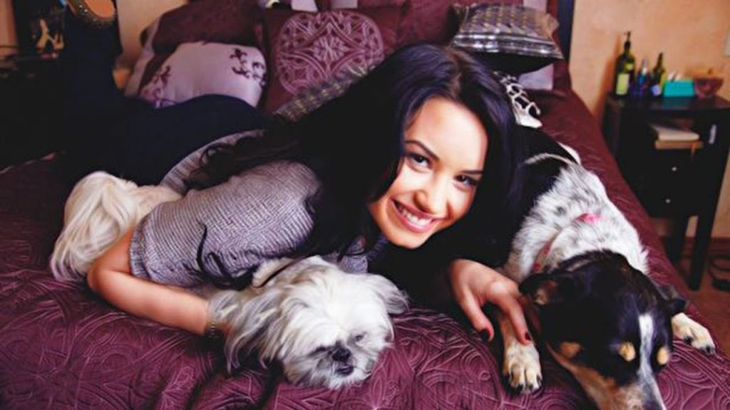 Demi Lovato and Her Dogs | 14 Facts About Demi Lovato You Probably Didn't Know | Her Beauty