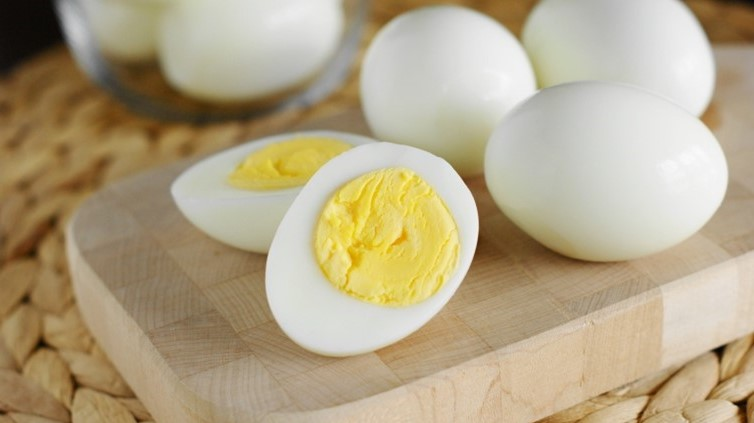 Eggs | 10 Things You Should Always Have In Your Fridge | Her Beauty