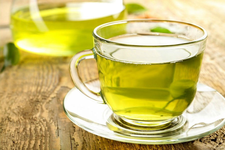 Green tea with a summery spin | 7 Best Summer Diet Tips (Fruit Soups, Veggie Popsicles, and Detox Drinks)