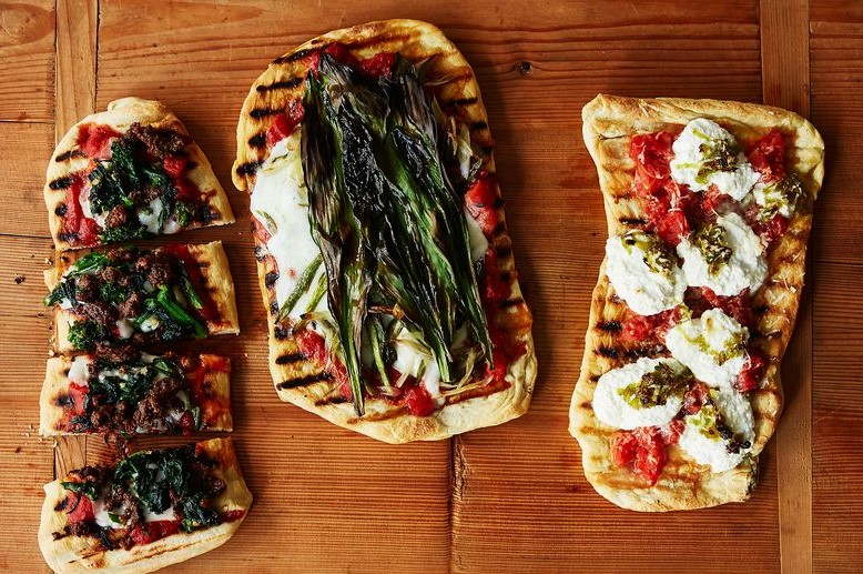 Flatbread Pizzas | 12 Grilling Recipes You've Gotta Try This Summer | Her Beauty