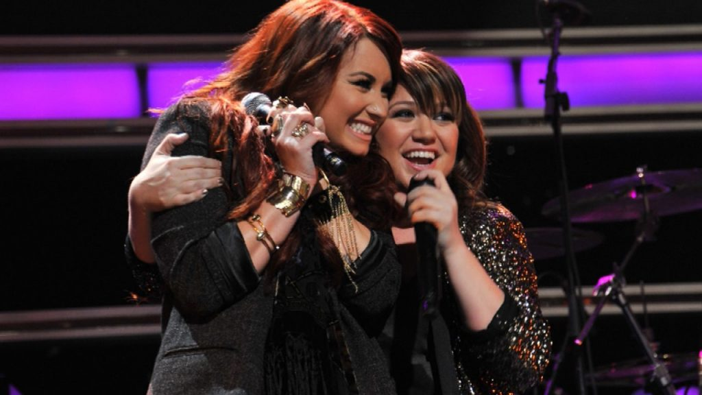 Kelly Clarkson and Demi Lovato | 14 Facts About Demi Lovato You Probably Didn't Know | Her Beauty