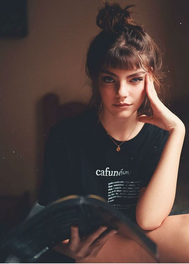 Оценивающий взгляд одинокой женщины | Как понять, что перед вами одинокая женщина: 9 точных примет | Her Beauty