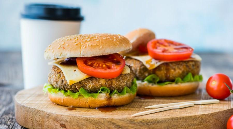 Вегетарианский бургер с котлетой из чечевицы | 10 интересных рецептов домашних бургеров | Her Beauty
