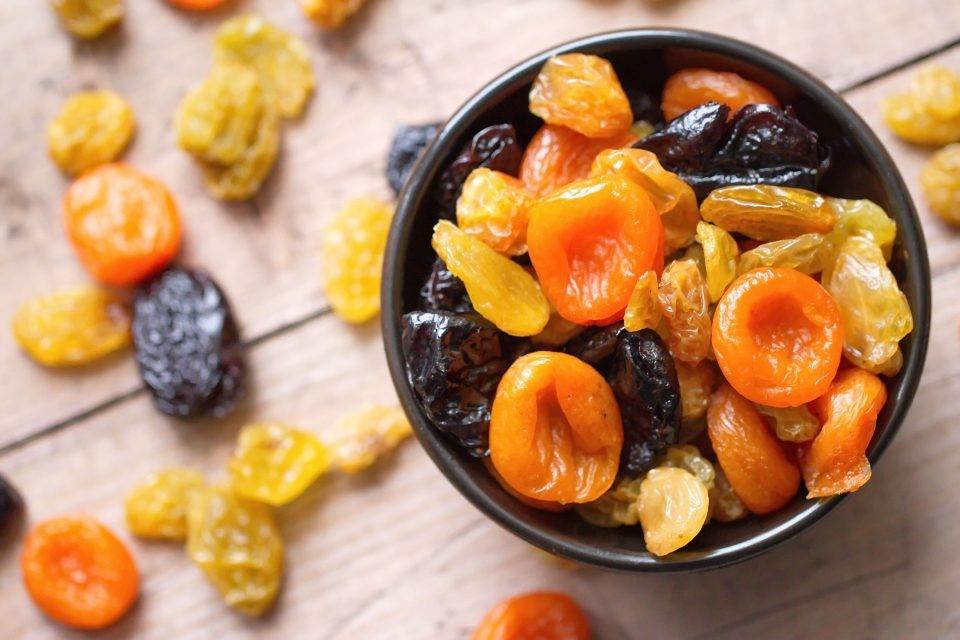 Сухофрукты | 10 коварных продуктов, которые мешают вам похудеть | Her Beauty