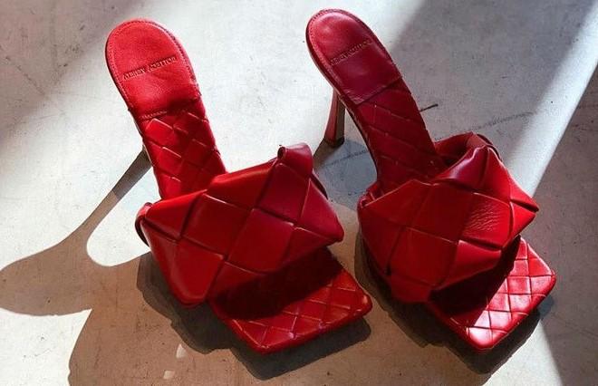 Босоножки с квадратным носом   6 пар обуви, которые тебе действительно нужны этой осенью   Her Beauty
