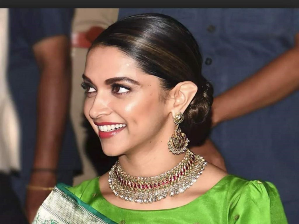 Deepika Padukone | 8 Bollywood Stunners Share Their Main Beauty Routines, And We Can't Wait To Try Them | Her Beauty