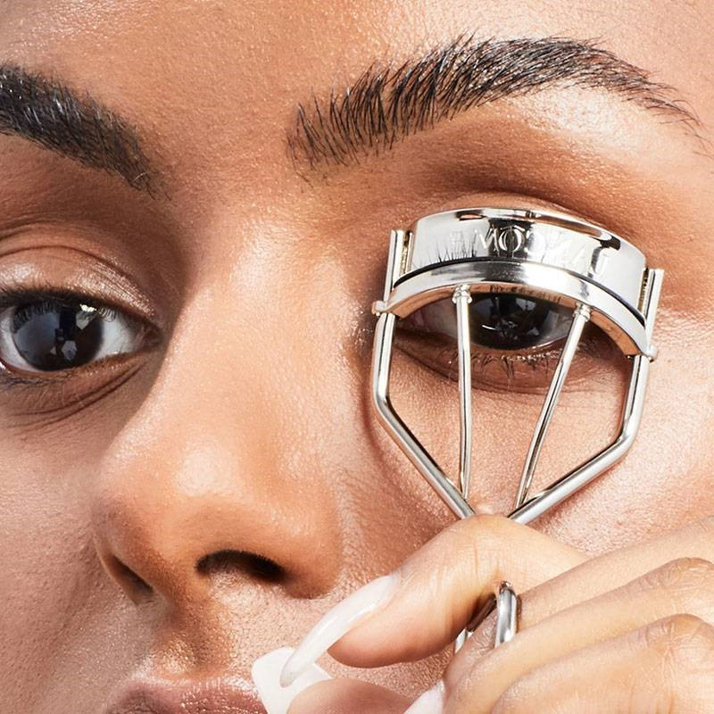 eyelash curler | How To Apply Mascara Like A Pro | Her Beauty
