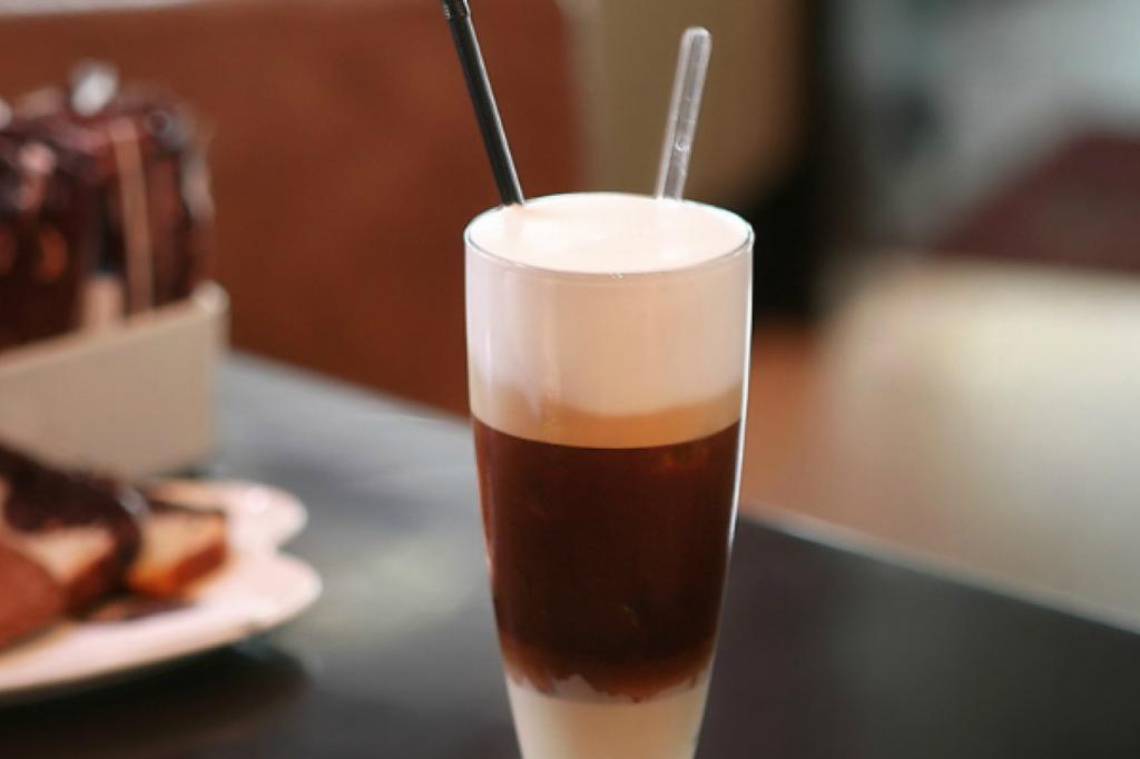 Кофе фредо |  10 крутых рецептов холодного кофе | HerBeauty