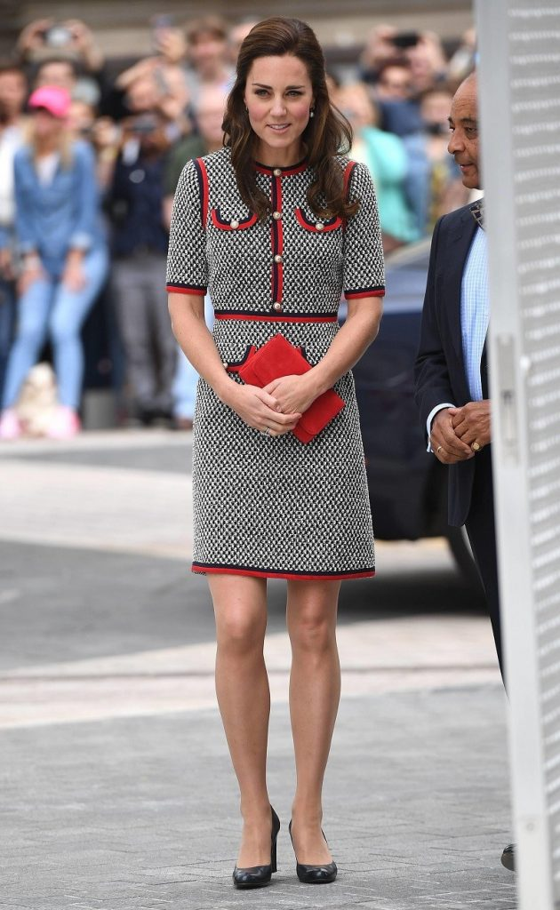 Кейт редко выбирает сочные наряды | Кейт vs Меган: сравниваем стиль двух герцогинь | Her Beauty