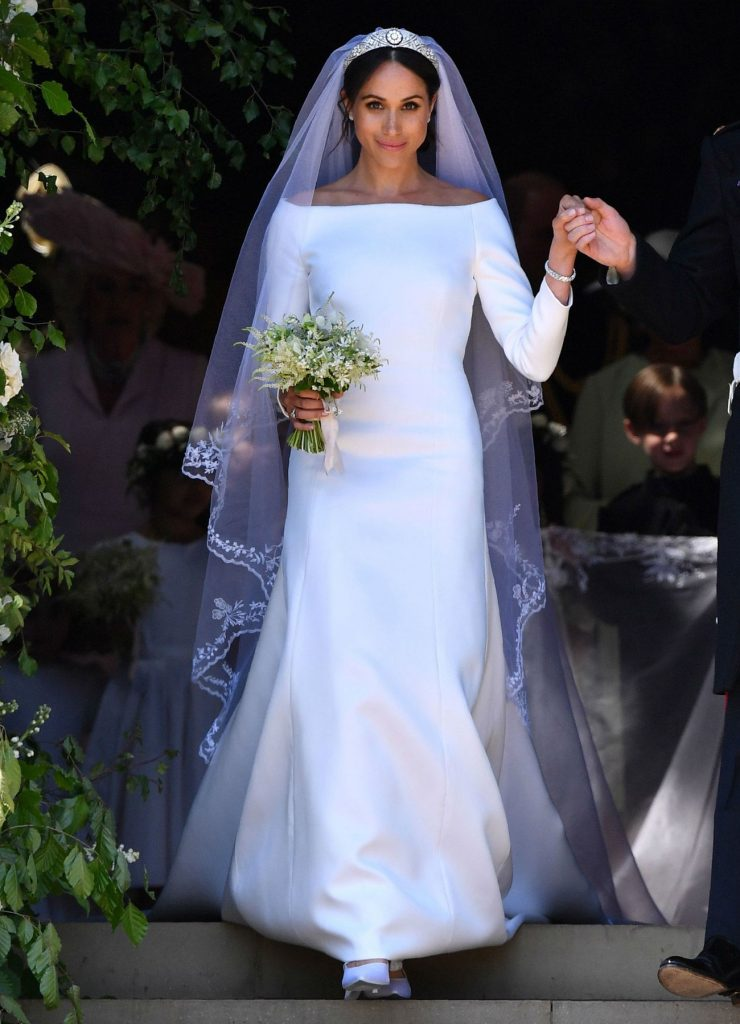 Меган в платье от Givanchi | Кейт vs Меган: сравниваем стиль двух герцогинь | Her Beauty