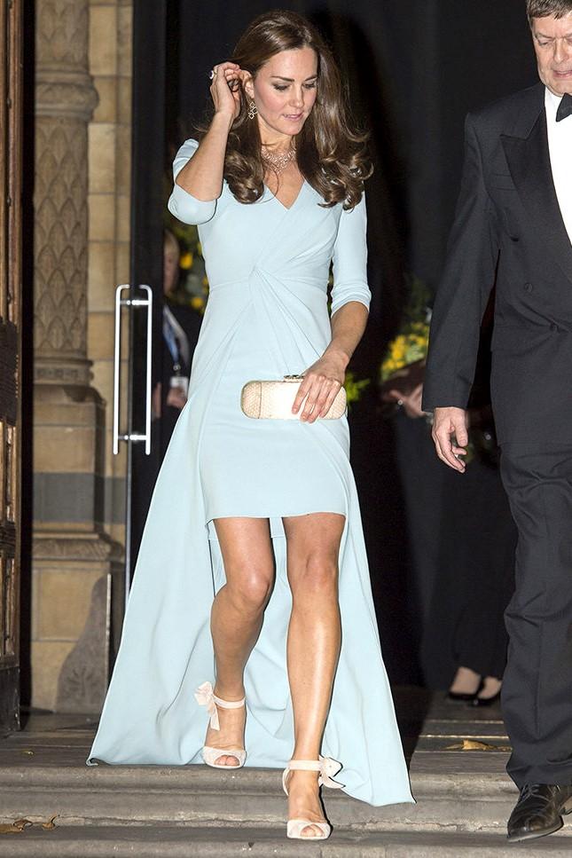 Кейт в мини | Кейт vs Меган: сравниваем стиль двух герцогинь | Her Beauty