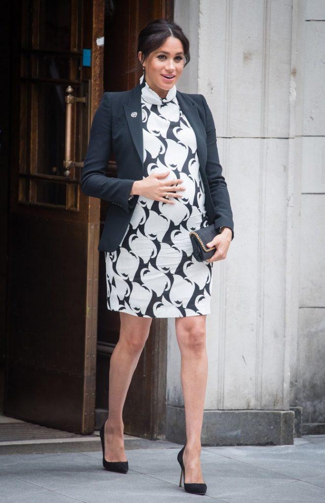 Меган в мини | Кейт vs Меган: сравниваем стиль двух герцогинь | Her Beauty