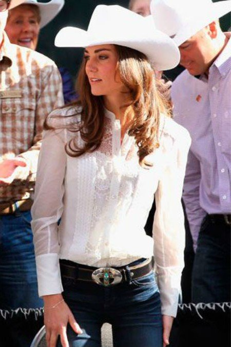 Кейт носит джинсы | Кейт vs Меган: сравниваем стиль двух герцогинь | Her Beauty