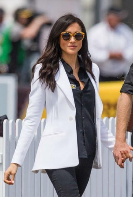 Меган носит джинсы | Кейт vs Меган: сравниваем стиль двух герцогинь | Her Beauty