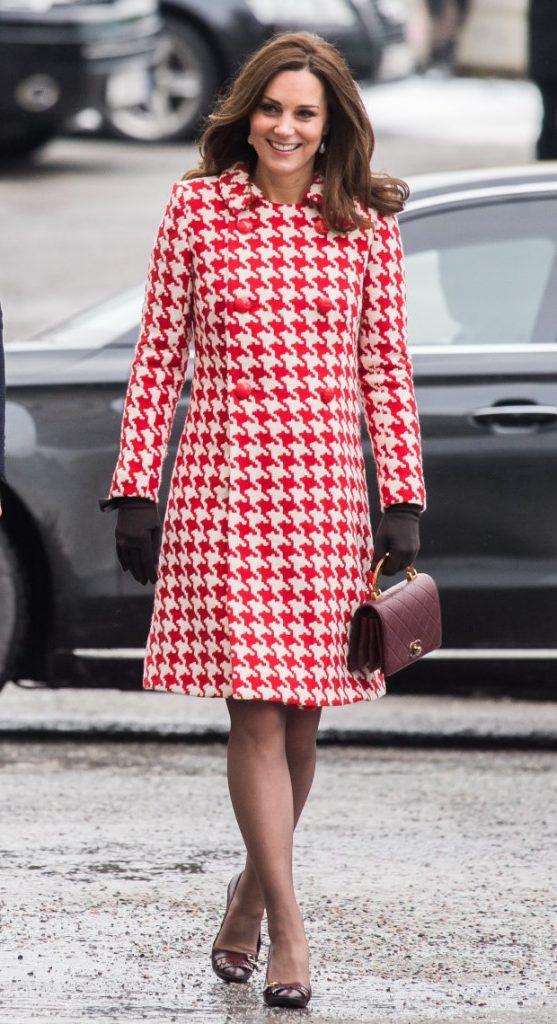 | Кейт vs Меган: сравниваем стиль двух герцогинь | Her Beauty