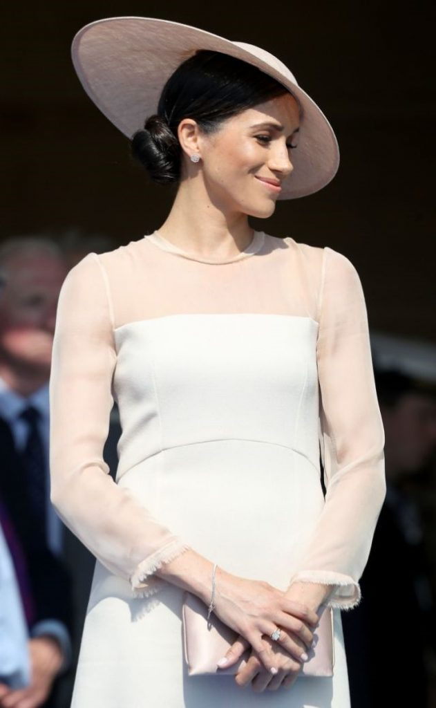 Меган в шляпке | Кейт vs Меган: сравниваем стиль двух герцогинь | Her Beauty
