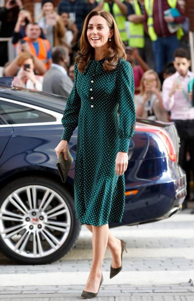 Кейт в классическом платье | Кейт vs Меган: сравниваем стиль двух герцогинь | Her Beauty
