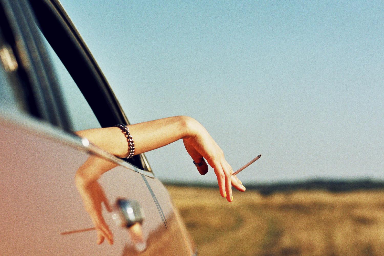 Вредные привычки   9 неочевидных вещей, которые делают вас менее привлекательными   Her Beauty