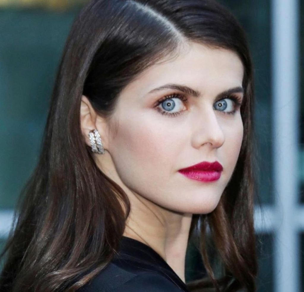 Her eyes are absolutely stunning. | Everything You need to Know about Alexandra Daddario | Her Beauty
