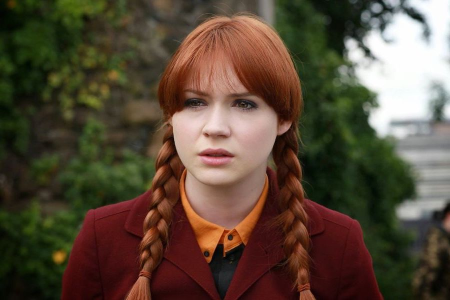 Her Mom's A Hardcore Whovian | 8 Fun Facts You Didn't Know About Karen Gillan | Her Beauty