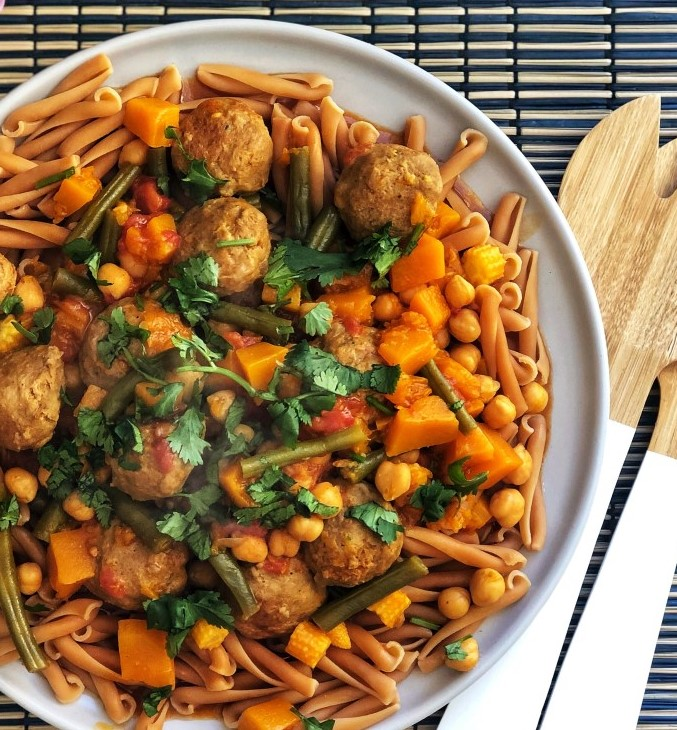 Mild Meatball Pumpkin Curry | 12 Healthy Pumpkin Recipes Perfect for Fall | Her Beauty