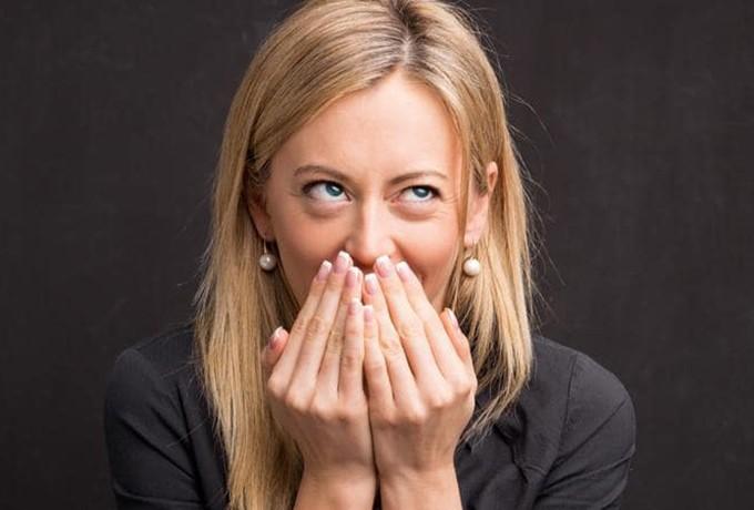 Отсутствие чувства юмора   9 неочевидных вещей, которые делают вас менее привлекательными   Her Beauty