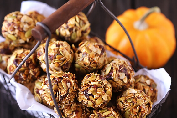 Pumpkin No-bake Energy Bites | 12 Healthy Pumpkin Recipes Perfect for Fall | Her Beauty