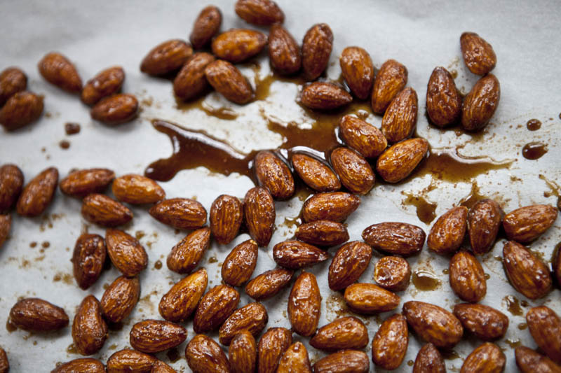 Pumpkin Pie Roasted Almonds | 12 Healthy Pumpkin Recipes Perfect for Fall | Her Beauty