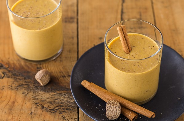 Pumpkin Pie Smoothie | 12 Healthy Pumpkin Recipes Perfect for Fall | Her Beauty
