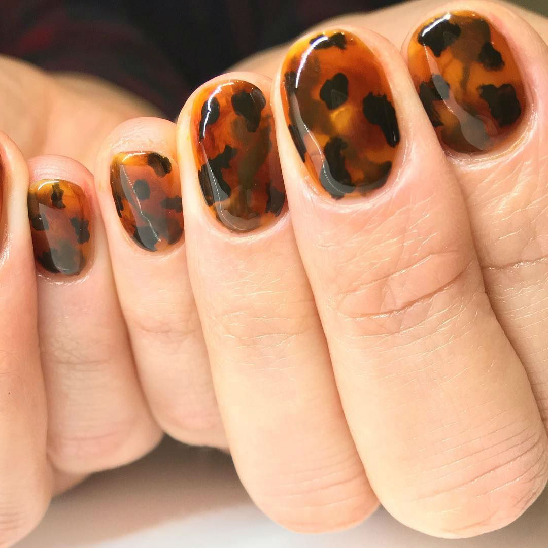 Subdued glamour | Tortoiseshell Nails are Autumn's Coolest Manicure Trend | Her Beauty