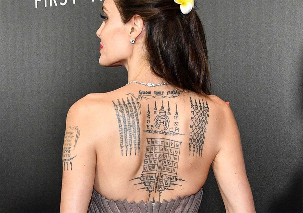 Татутровки Анджелины Джоли | 11 малоизвестных фактов об Анджелине Джоли | Her Beauty