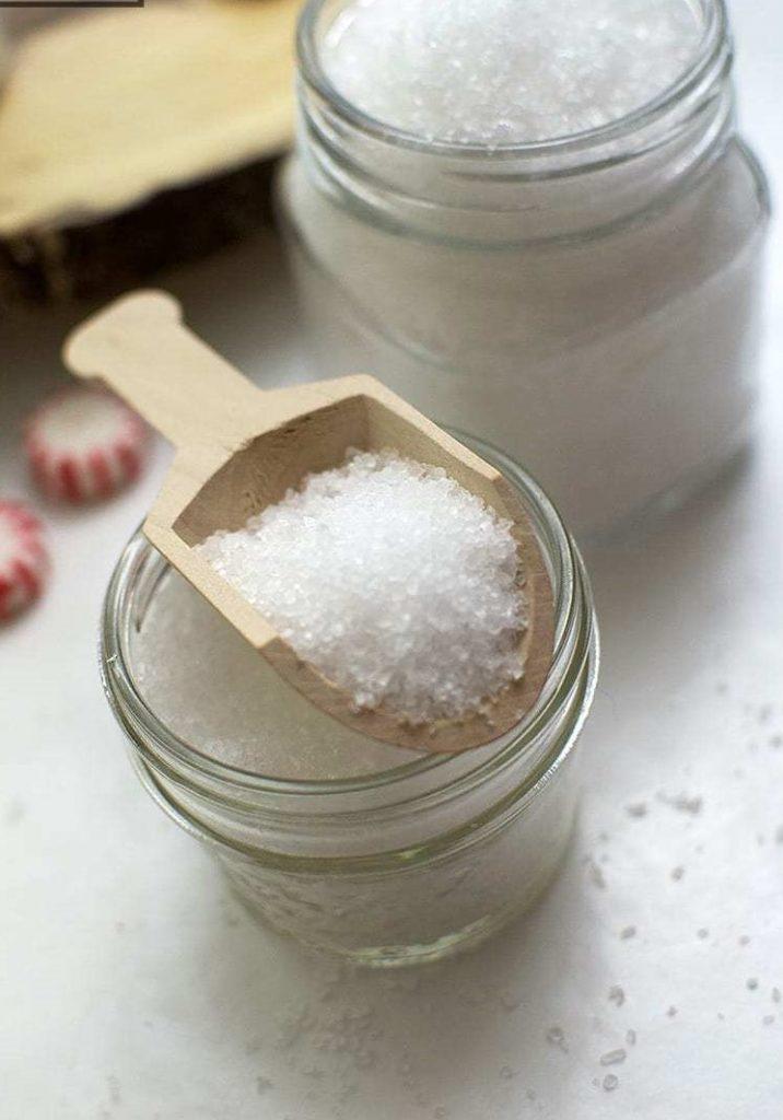 Peppermint salt scrub | 10 DIY Homemade Sea Salt Scrubs Recipes | Her Beauty