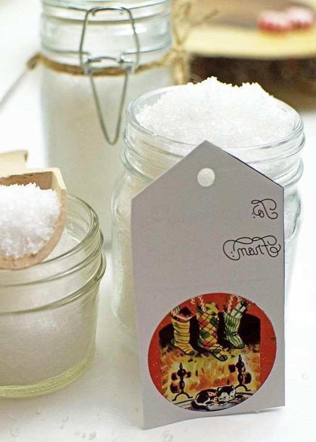 Peppermint salt scrub #2 | 10 DIY Homemade Sea Salt Scrubs Recipes | Her Beauty