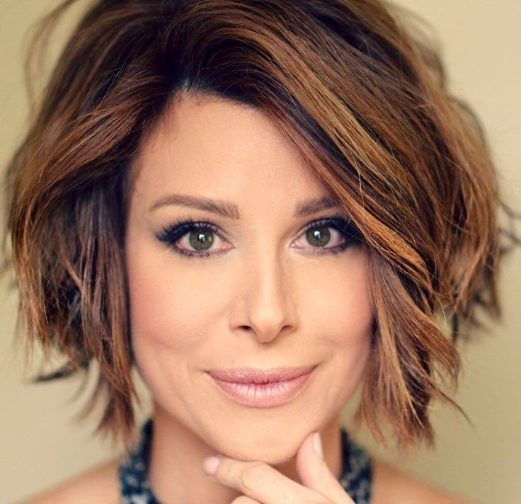 Blond and copper-brown stacked bob | Short Hairstyles For Women Over 50 | Her Beauty