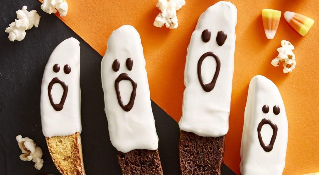 Boo-Scotti | 15 Easy Halloween Cookie Ideas | Her Beauty