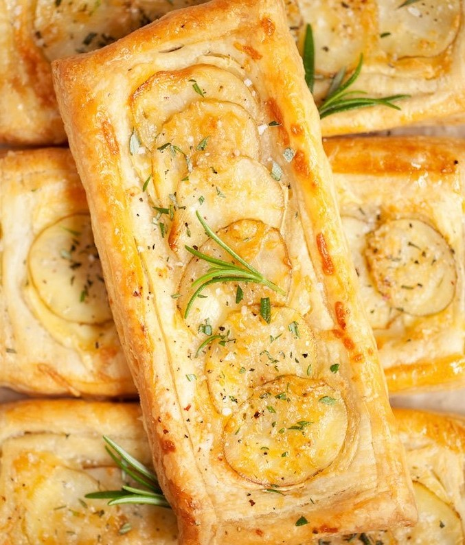 Brie and Potato Tarts | 10 Best Movie Night Recipes | Her Beauty