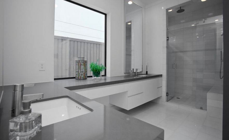 Cool Gray | 10 Best and Worst Colors for Your Bathroom | Her Beauty