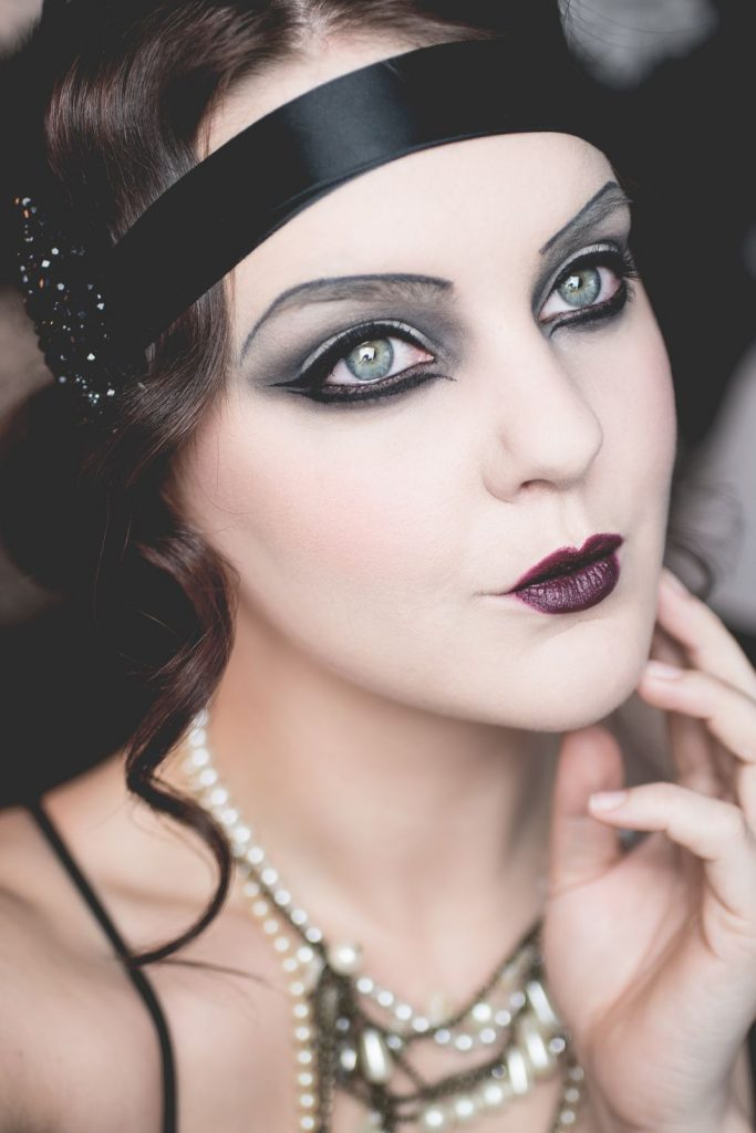 Roaring twenties  |  11 Creepy and Cool Halloween Makeup Ideas to Try This Year |  HerBeauty